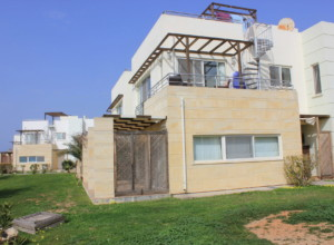 cyprus-beachfront-two-bedroom-p-01