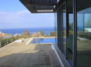 cyprus-seaside-contemporary-vil-02