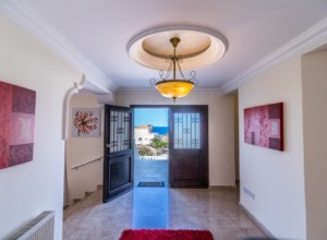 cyprus-impressive-three-bedroom-09