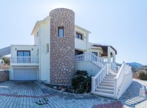 cyprus-impressive-three-bedroom-12