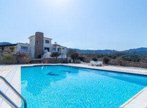 cyprus-impressive-three-bedroom-13