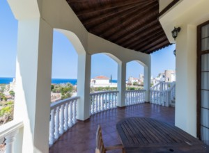 cyprus-impressive-three-bedroom-14
