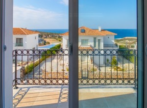 cyprus-impressive-three-bedroom-22