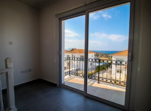 cyprus-impressive-three-bedroom-37