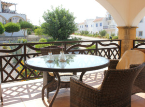 cyprus-superb-two-bedroom-apart-02