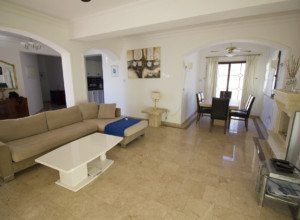 cyprus-beautiful-three-bedroom-02