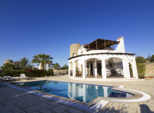 cyprus-beautiful-three-bedroom-17