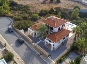 cyprus-charming-four-bedroom-se-16