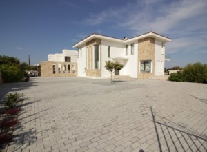 cyprus-beautifully-landscaped-w-01