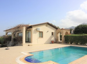 cyprus-well-maintained-3-bedroo-01