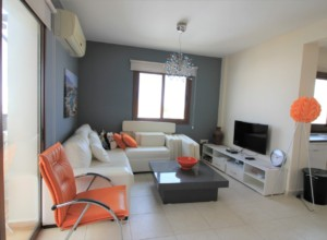 cyprus-cozy-and-spacious-two-be-01