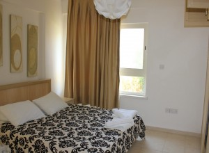 cyprus-three-bedroom-fully-furn-01